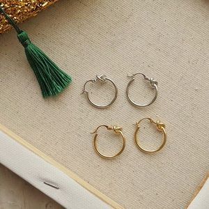 Knot hoop earrings 🎉